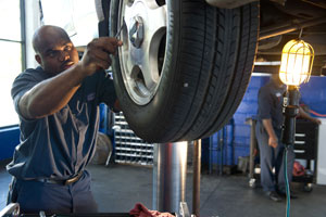 Brake Repair Technician AAMCO Memphis TN (E. Raines Rd)